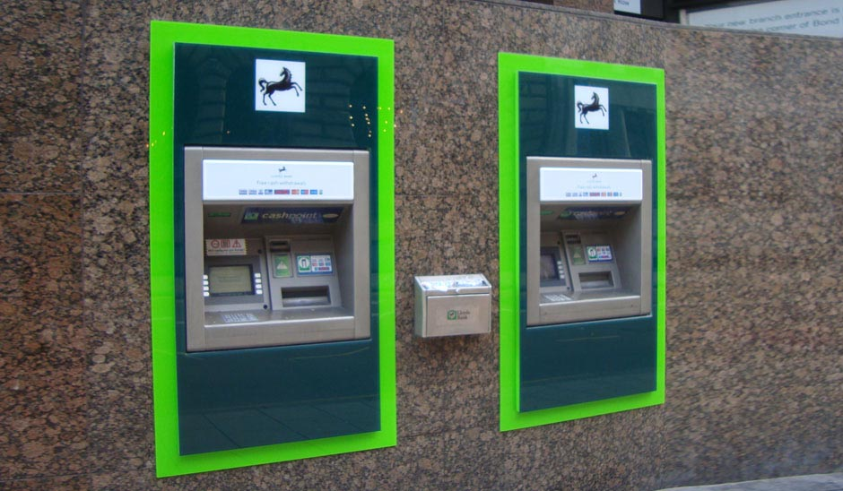Lloyds bank cash machines
