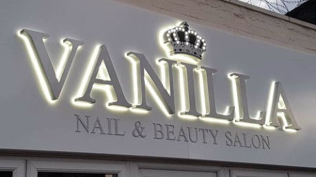 Vanilla beaty salon leeds